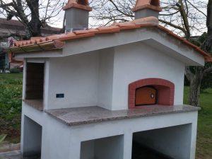 Forno e barbecue esterno in muratura